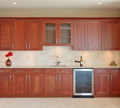 Choosing the Right Materials for Your Kitchen Cabinets