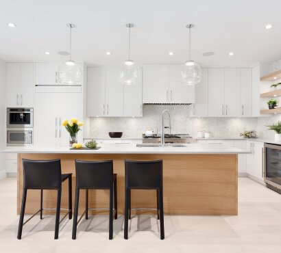 The Pros & Cons of Cabinet Placement: Overhead vs. Floor Level