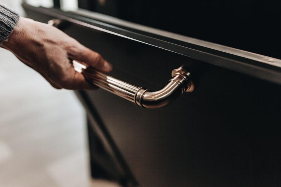 Kitchen Cabinet Designs to Maximize Resale Value 1