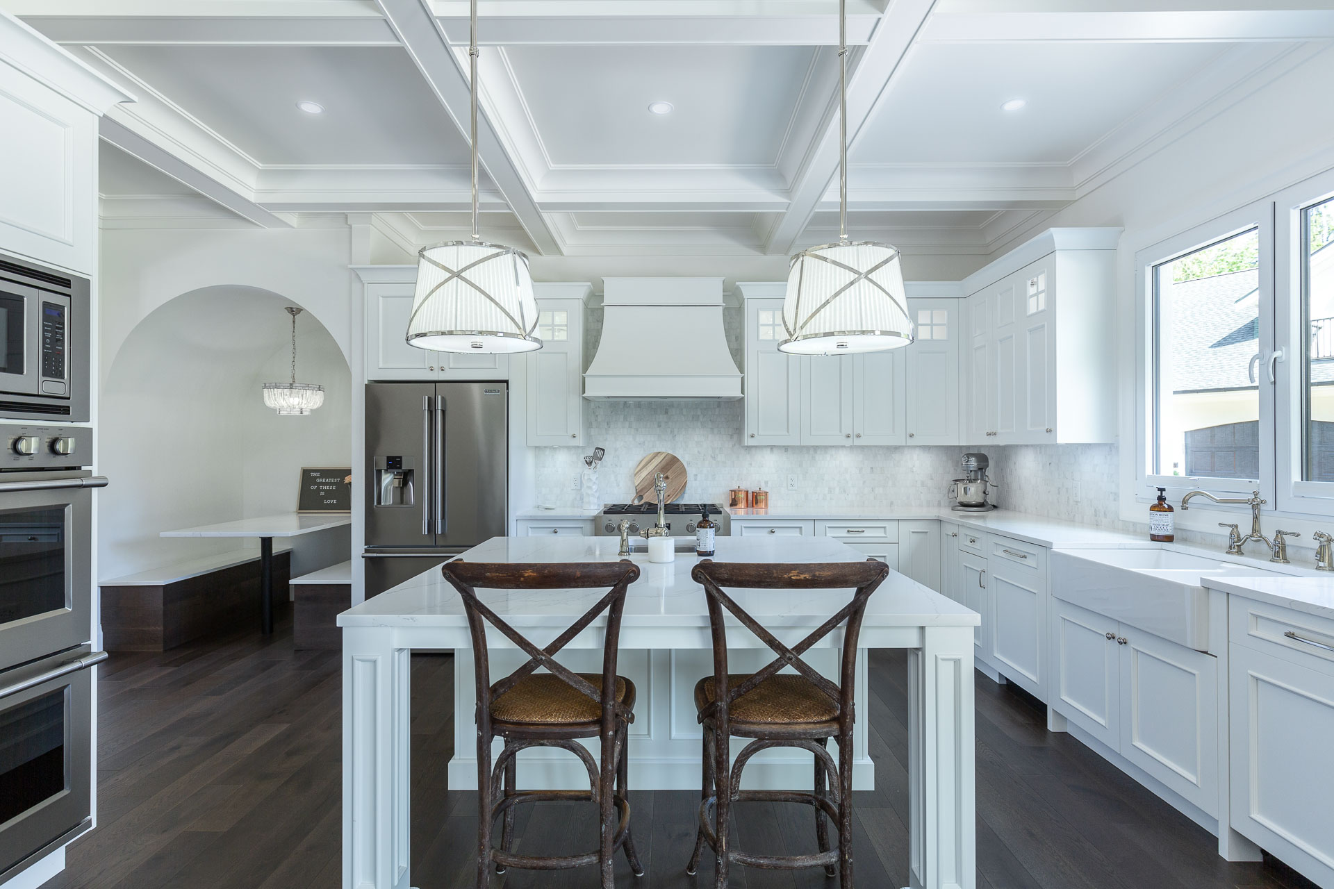 The Pros and Cons of White Kitchen Cabinets 4